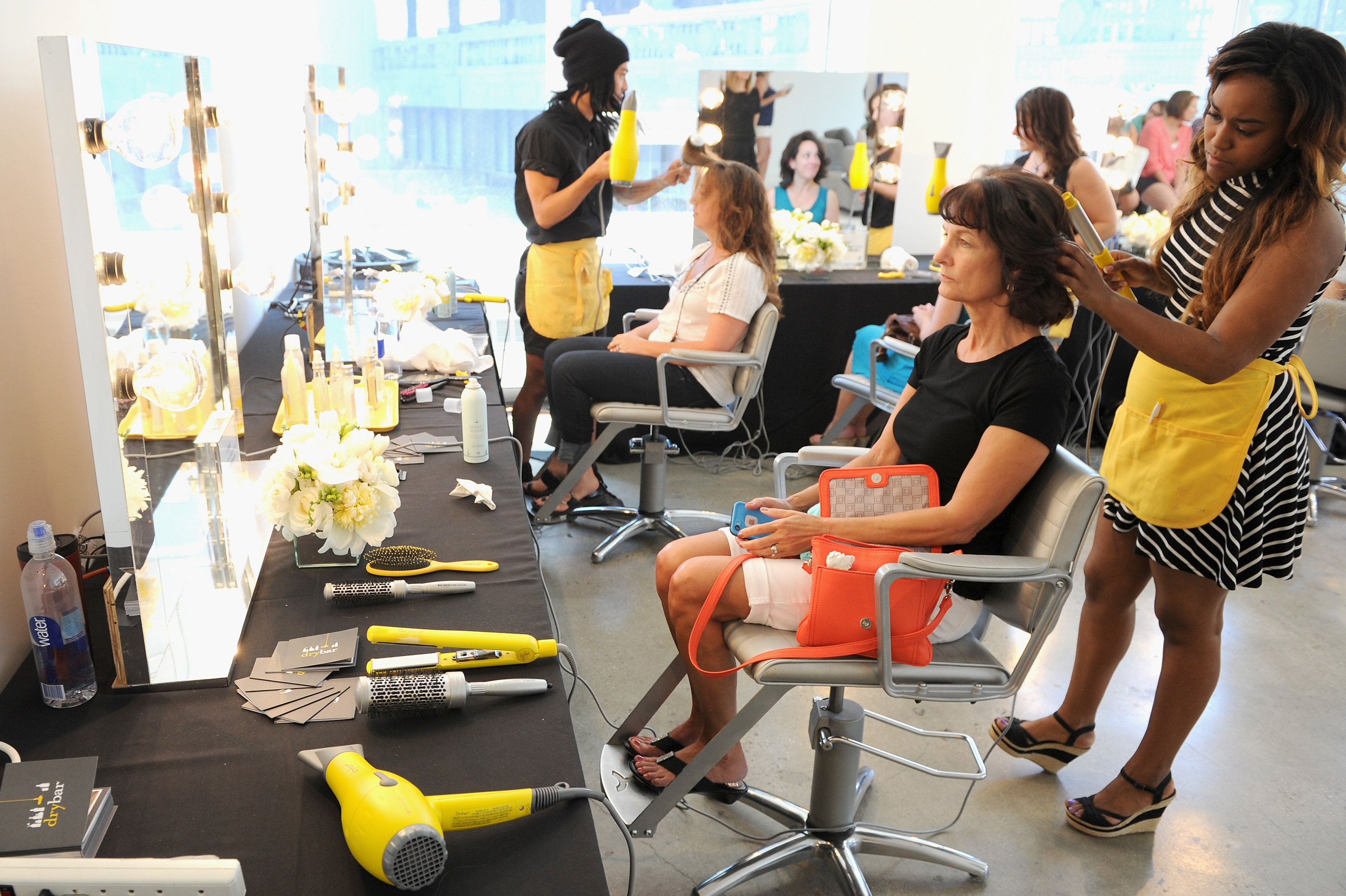 Salon Fly Drybar Dry On The Fly App Sends Hairstylists To Your Door For An