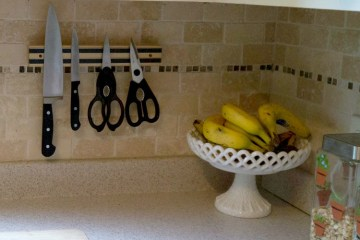 Easy Knife Rack with Command Strips