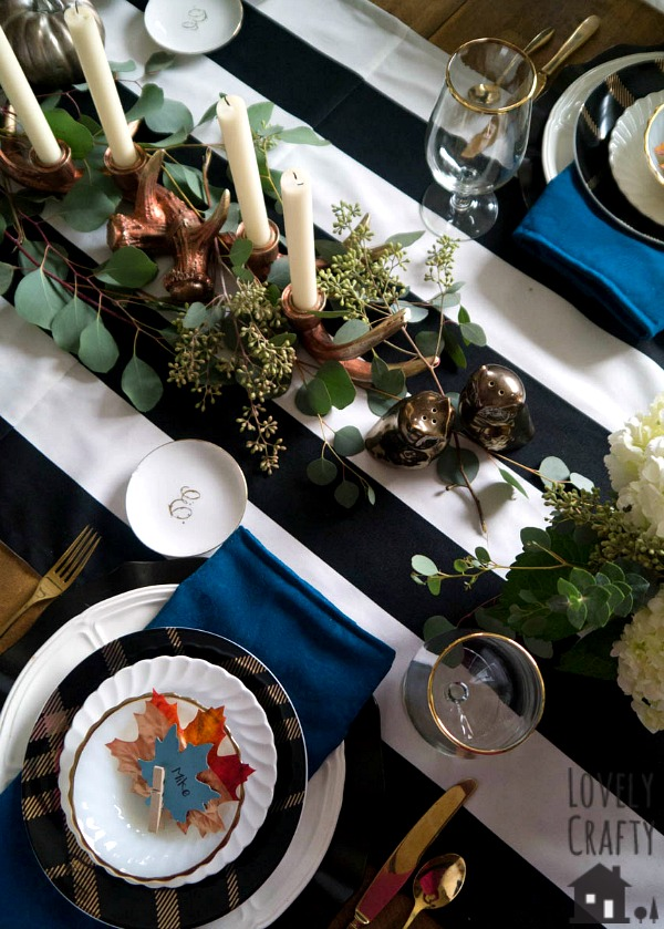 rustic-fall-thanksgiving-table