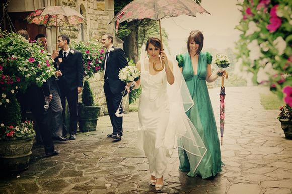 A Stylish Vintage Wedding and some Gorgeous Emerald Green... (Weddings )