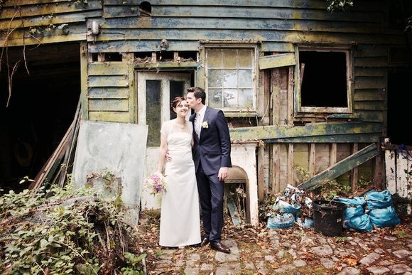 A Vintage Style English Country Garden Wedding... A Vintage Style English Country Garden Wedding... A Vintage Style English Country Garden Wedding...