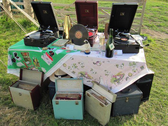 It's a Wind Up! Vintage 78 Gramophone DJ... (Weddings )