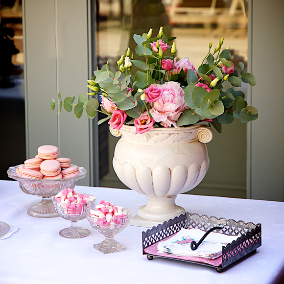 Pretty is Pink - Vintage Style Wedding Day Colour Inspiration... ()