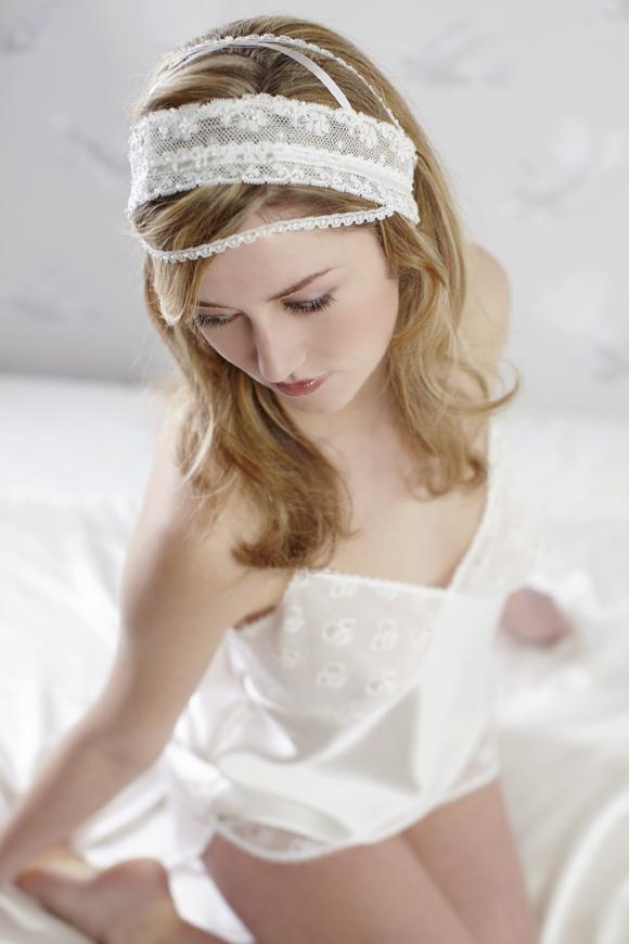 LoveBySusie Vintage Inspired Wedding Veils... ()