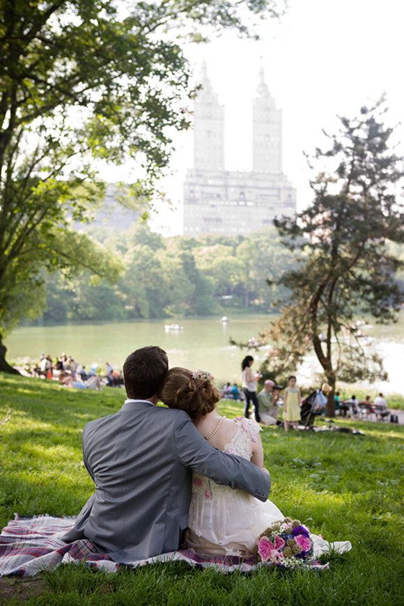 An Anglo-American Vintage Love Story ~ Afternoon tea in Central Park... ()