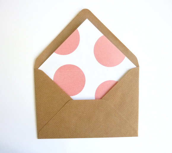 Polka dot envelope liner