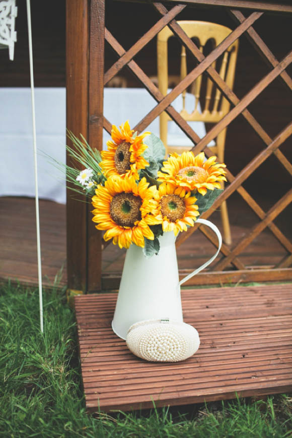 Sunflowers and a 1960's Inspired Sweet and Simple Shift Wedding Dress (Weddings )