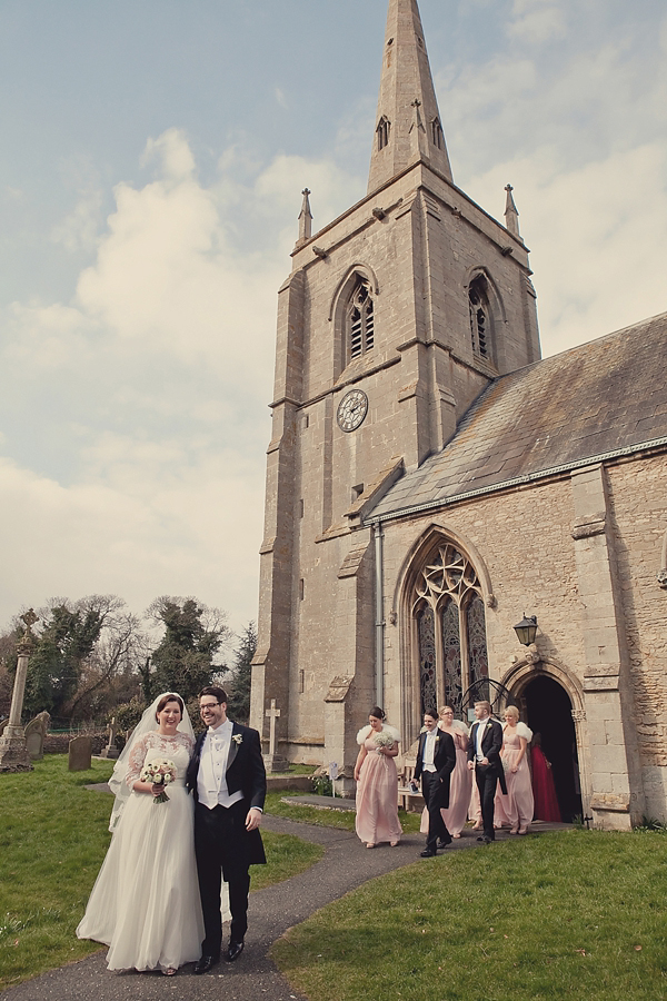 A 1940s Glamour Inspired Wedding With Hints Of Peach Pretty... (Weddings )