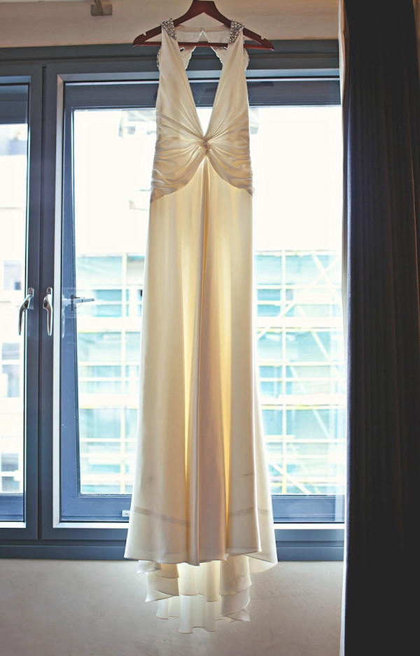 A 1920s an 1930s Art Deco Inspired Wedding // Francesca Wedding Dress by Jenny Packham // Photography by Laura McCluskey