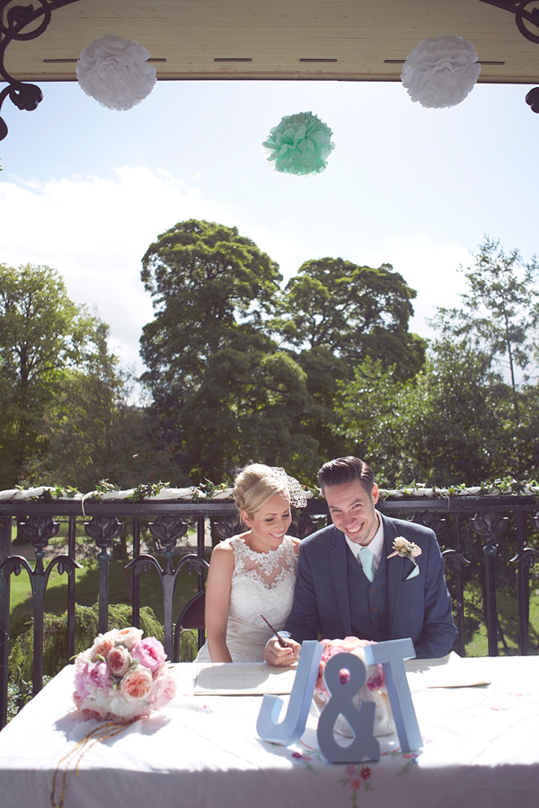 Mint Green And Pastel Hues For A Romantic and Pretty DIY Bandstand Wedding (Weddings )
