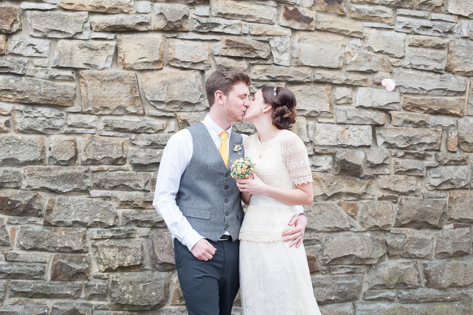 A Zara Wedding Dress for a DIY and Handcrafted Spring Yellow Wedding (Weddings )