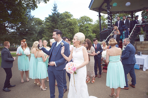 A romantic and elegant bandstand, pastel colour wedding // Photography by Natalie J. Weddings