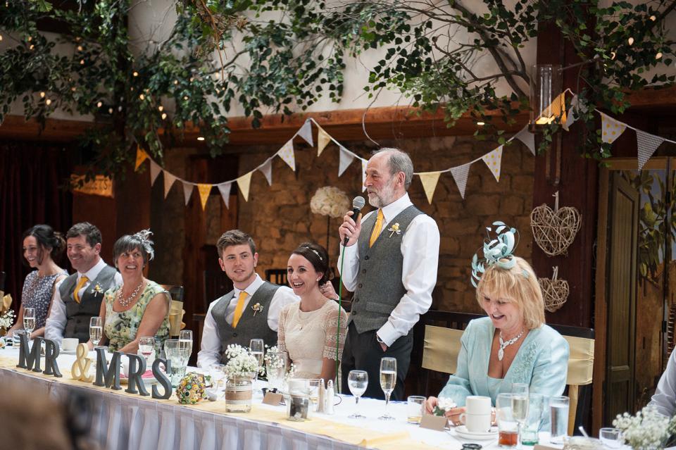 A Zara Wedding Dress for a DIY and Handcrafted Spring Yellow Wedding (Weddings )