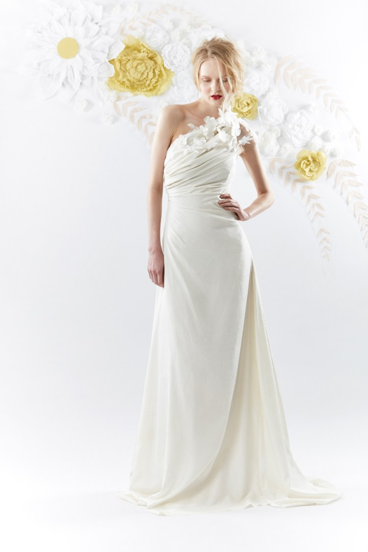 Olwen bourke beautiful couture gowns inspired by nature for Nature inspired wedding dresses