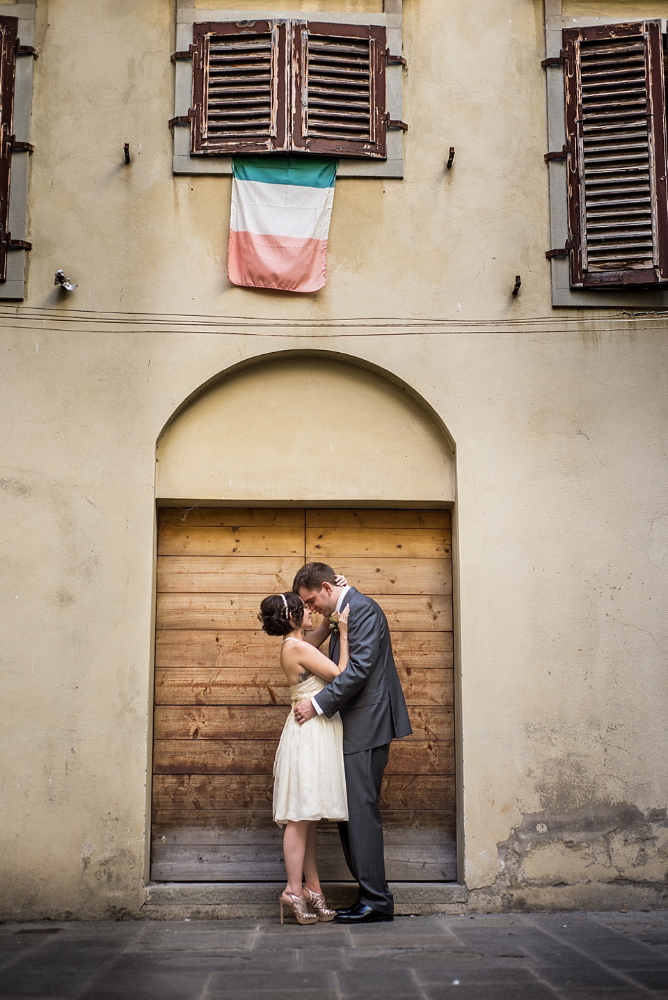 An Intimate and Rustic Style Italian Garden Wedding (Weddings )