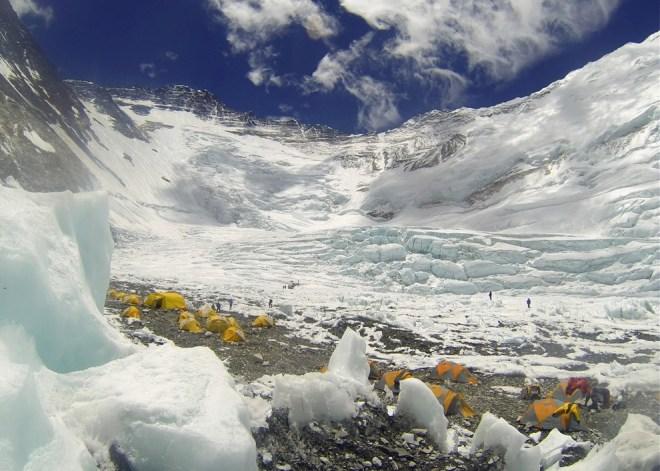 Базовый лагерь на пути к вершине Эвереста