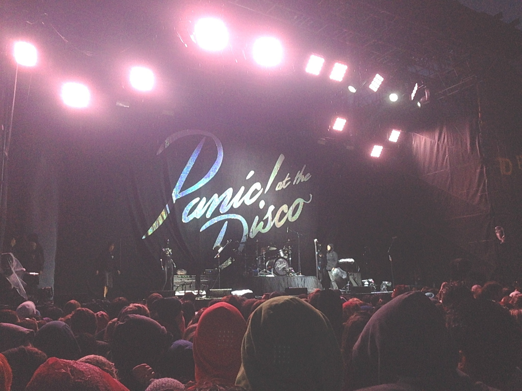 Fall Out Boy And Panic At The Disco Wallpaper Save Rock And Roll Tour Fall Out Boy Panic At The Disco