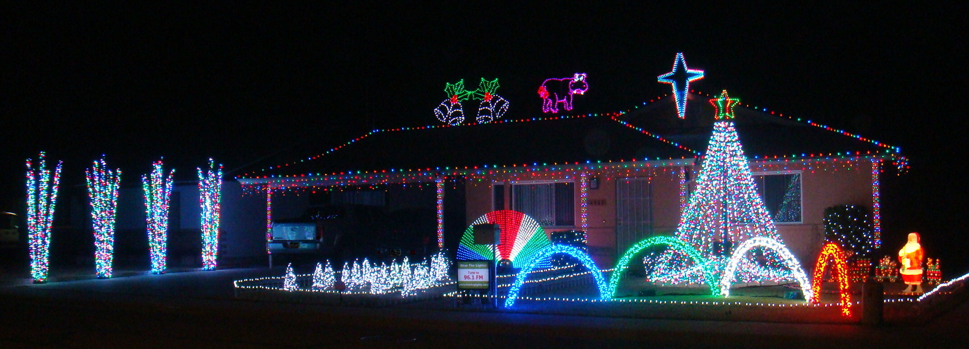 Christmas House Light Display Pictures Photos And Images For Facebook Tumblr Pinterest And Twitter