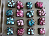 Baby Shower Chocolate Dipped Brownies - Love to be in the ...