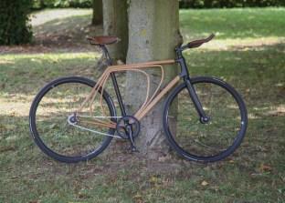 Wooden-bicycle_Niko-Schmutz_dezeen_1568_1