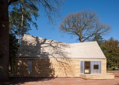 wolfson-tree-management-centre-mess-building-invisible-studio-architecture-gloucestershire-uk_dezeen_1568_0
