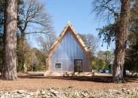 wolfson-tree-management-centre-mess-building-invisible-studio-architecture-gloucestershire-uk_dezeen_1568_1