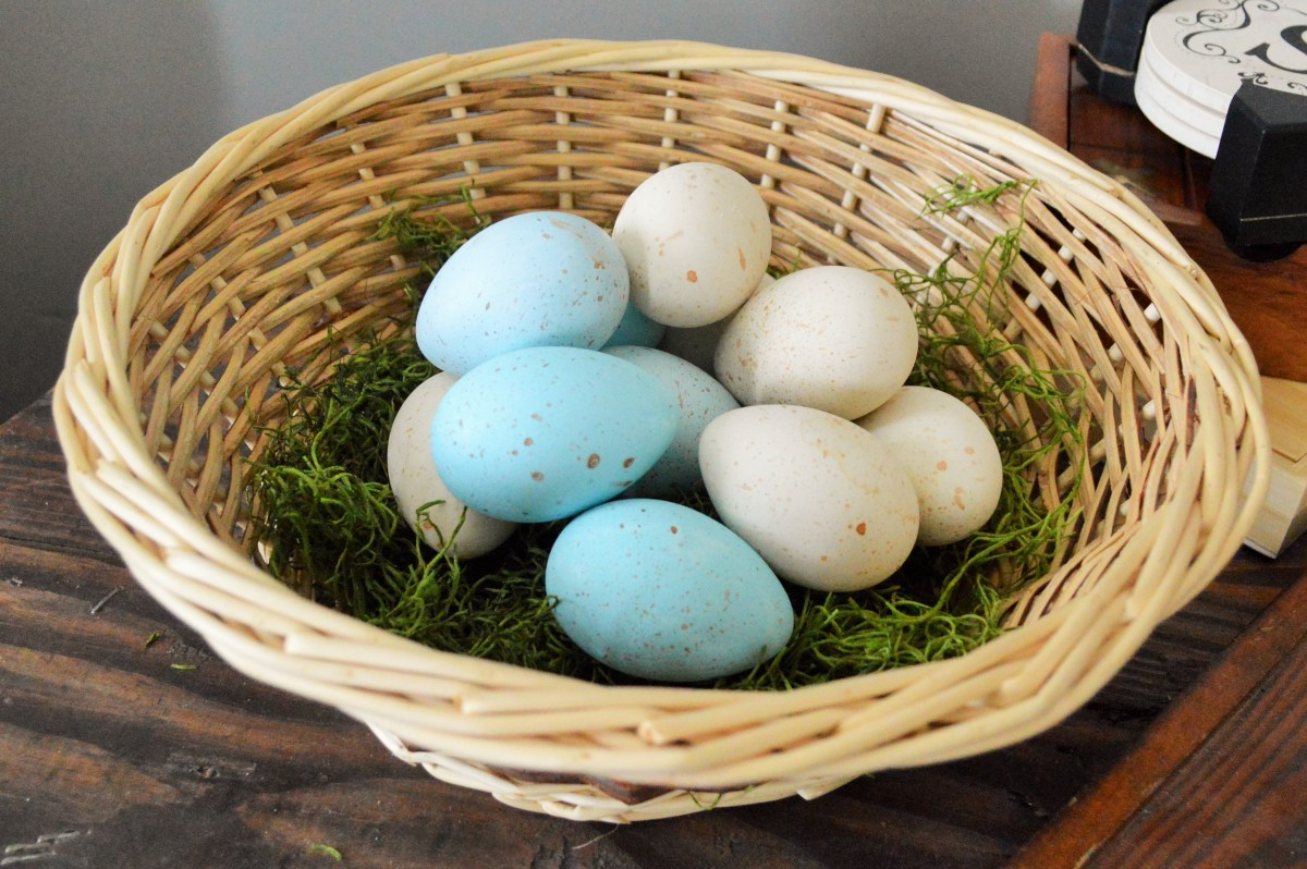 DIY Speckled (& Naturally Dyed) Easter Eggs