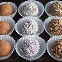 Low Carb Almond Fudge Truffles