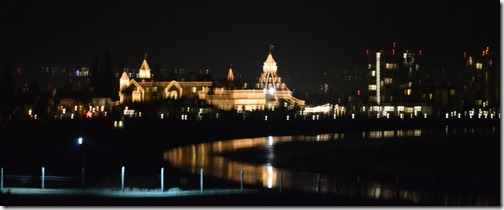 Hotel Del at night