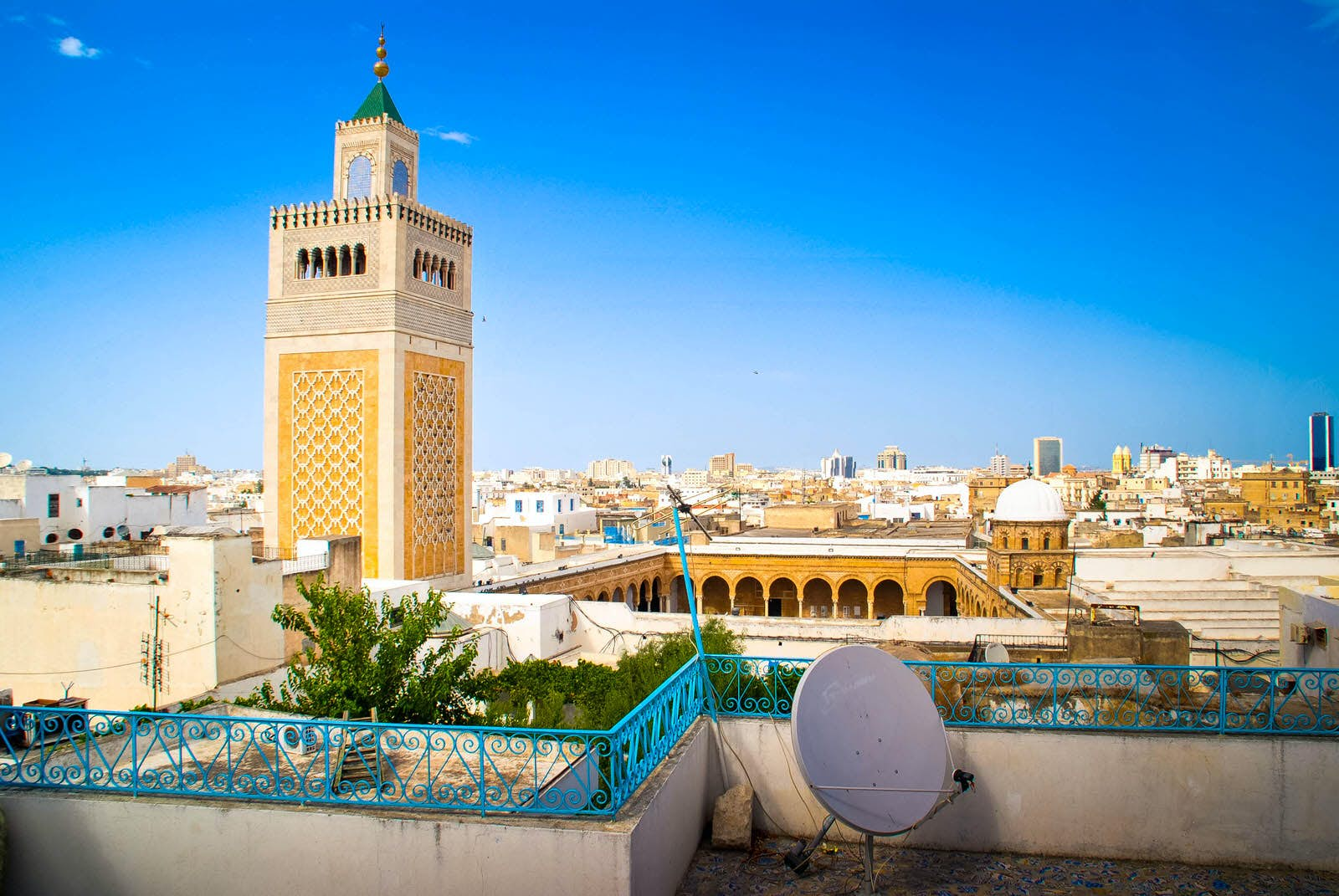 La Chambre Bleu Tunis Medina Meanders Exploring The Old Walled City In The Heart