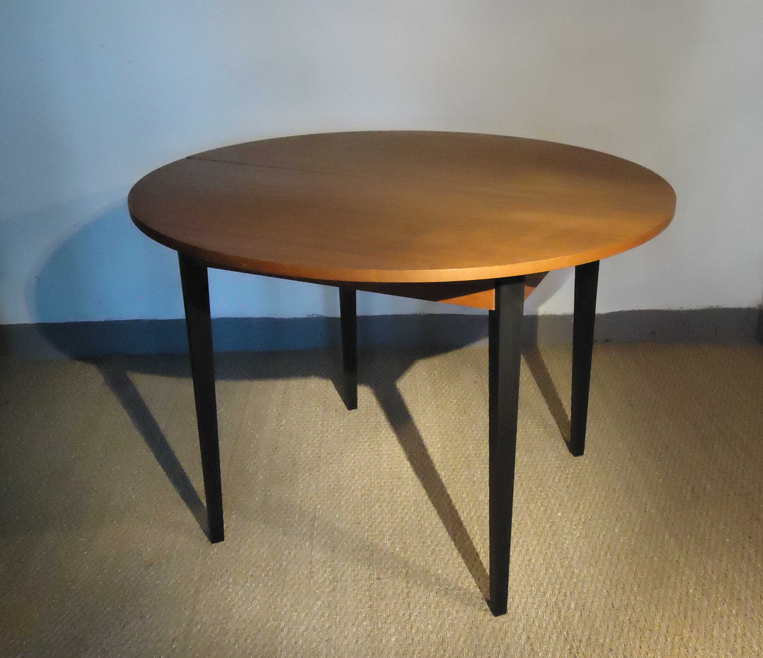 Table Ronde Scandinave Rallonge Table Ronde Scandinave Vendu Lu Bee