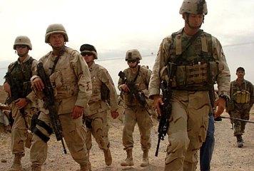 Quân nhân Hoa Kỳ bị kiểm soát chặt chẽ việc tham gia hoạt động chính trị.