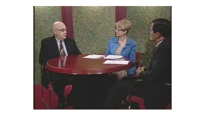 """Steve Lubetkin, left, discusses the importance of creating online video and audio content, with Patricia T. Dunn of Merrill Lynch and Dave Ebner of Merrill Lynch, during the taping of """"Money Matters TV"""" program."""