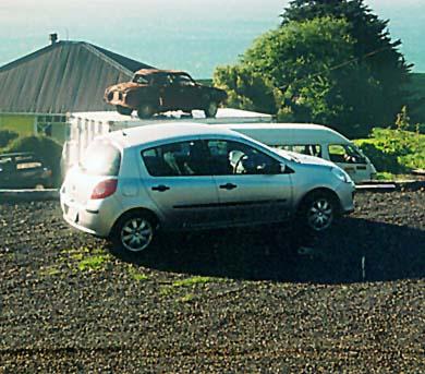 Renault Clio et Renault Dauphine