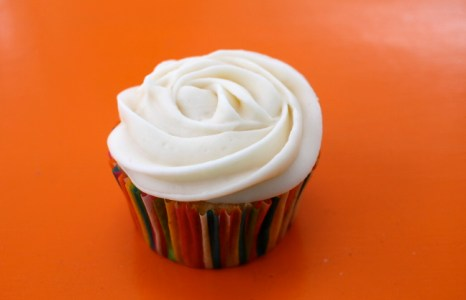 Cream Cheese Frosted Carrot Cake Cupcakes
