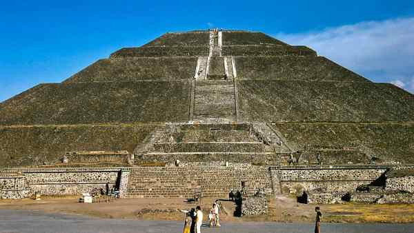 """<a href=""""http://www.flickr.com/photos/34071882@N00/32877870014"""">1973-02_A217_Teotihuacan-Zona Arqueologica de Teotihuacan</a> via <a href=""""http://photopin.com"""">photopin</a> <a href=""""https://creativecommons.org/licenses/by-nc-sa/2.0/"""">(license)</a>"""