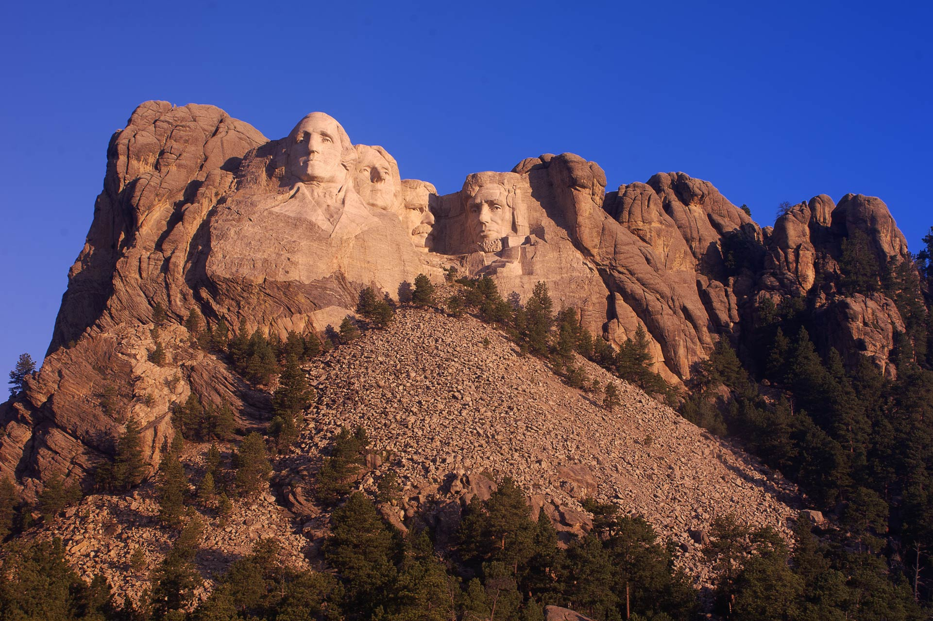 Mount-Rushmore-HDR-WEB