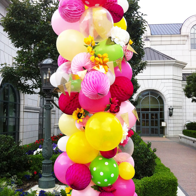 how to make a flower balloon arch
