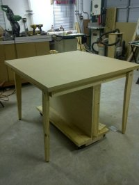 Rolling (and folding) assembly table - by hianupam ...