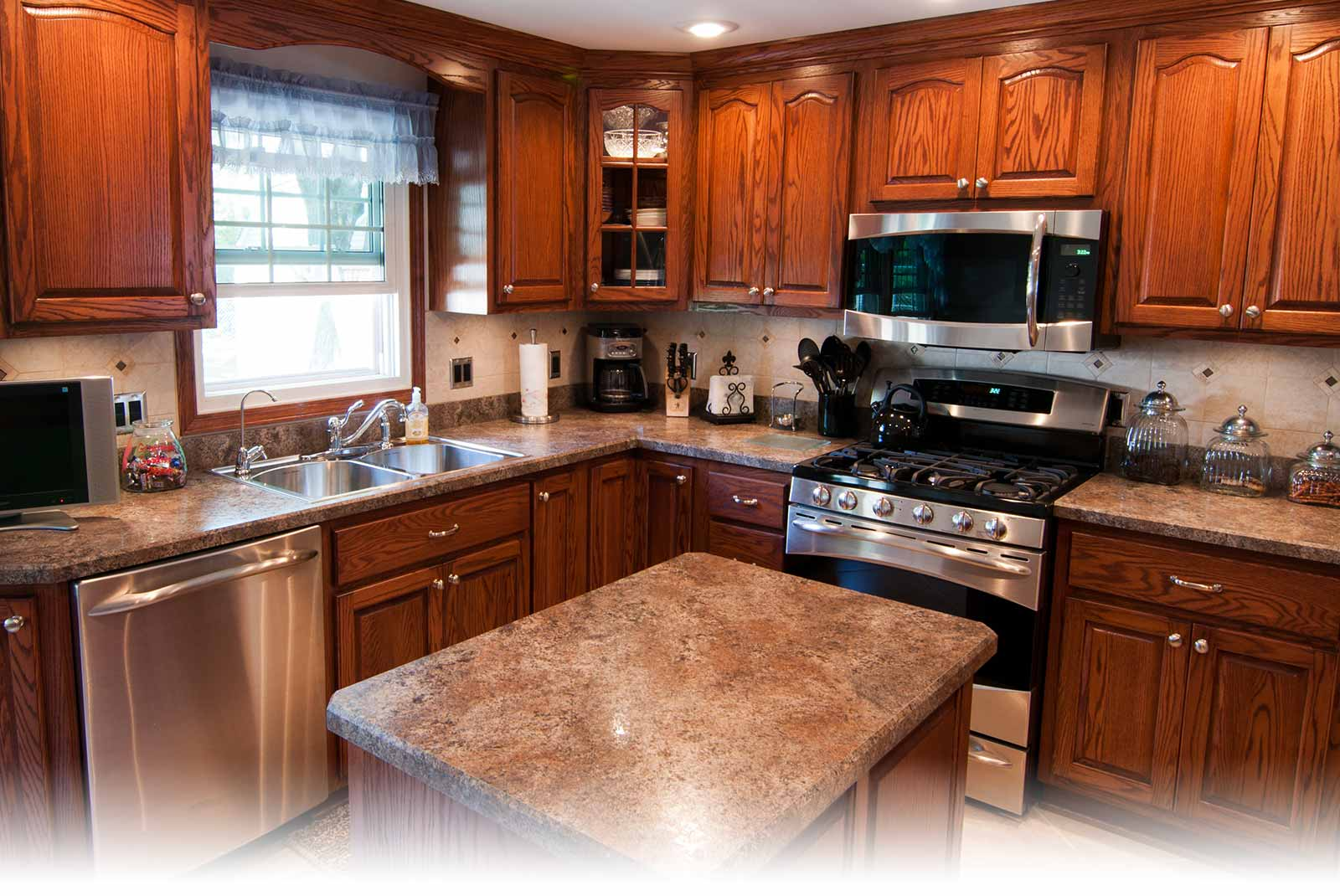 Custom Kitchens Built In Cabinets And Countertops Near Schaumburg Il Cities Designs Custom Kitchens Built In Cabinets For Homes And Offices Countertops Bathroom Remodels And Tile For Bathrooms And Fireplaces