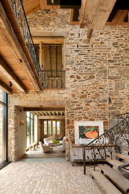 Idee Renovation Modern Redesign Of Old Country Home With Antique Stone
