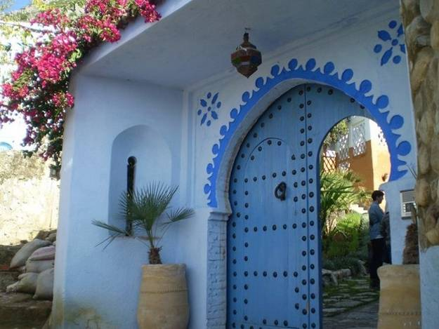 Cool Modern Furniture Moroccan Decor And Blue Color Bring Cool Moroccan Style