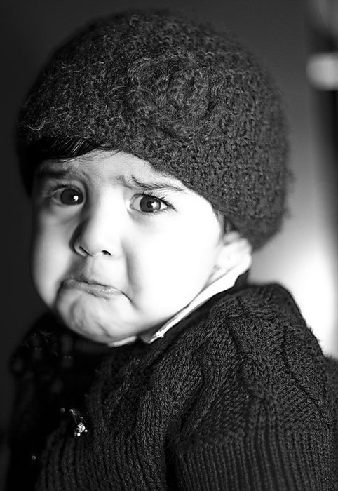 Cute Sad Alone Girl Wallpaper Bebes Pleurs