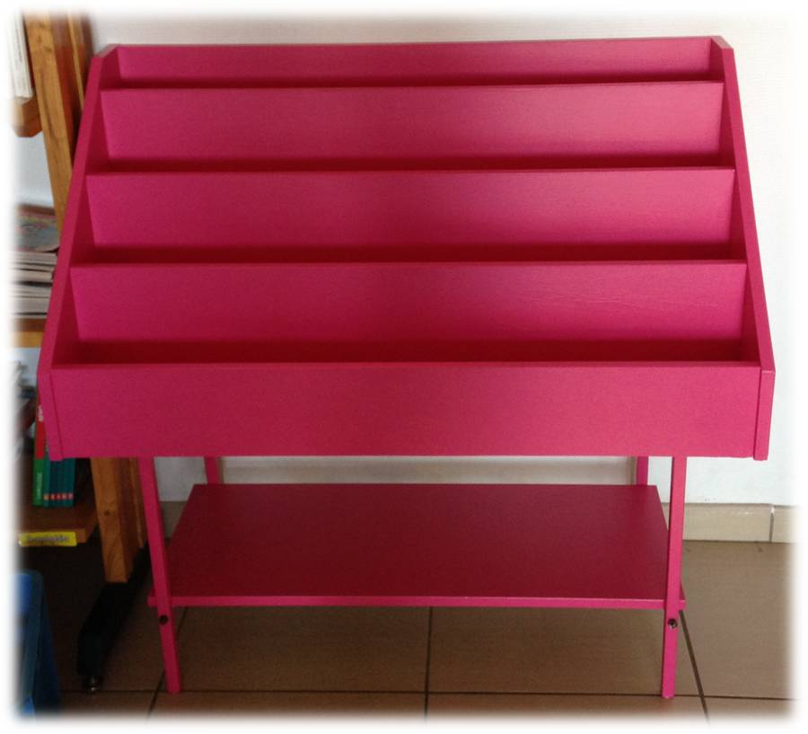 des petits pr sentoirs livres pas chers lutin bazar. Black Bedroom Furniture Sets. Home Design Ideas