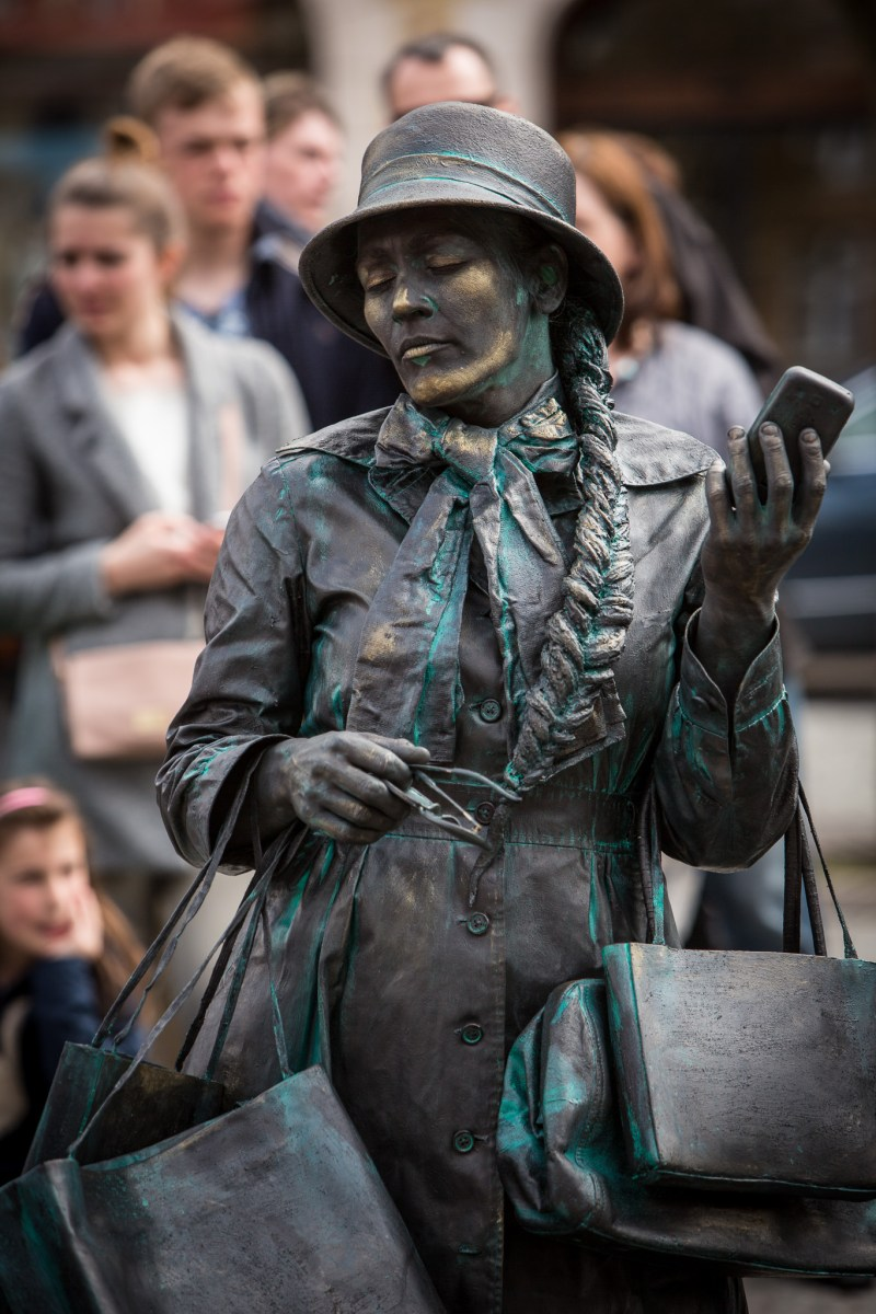 living statues project
