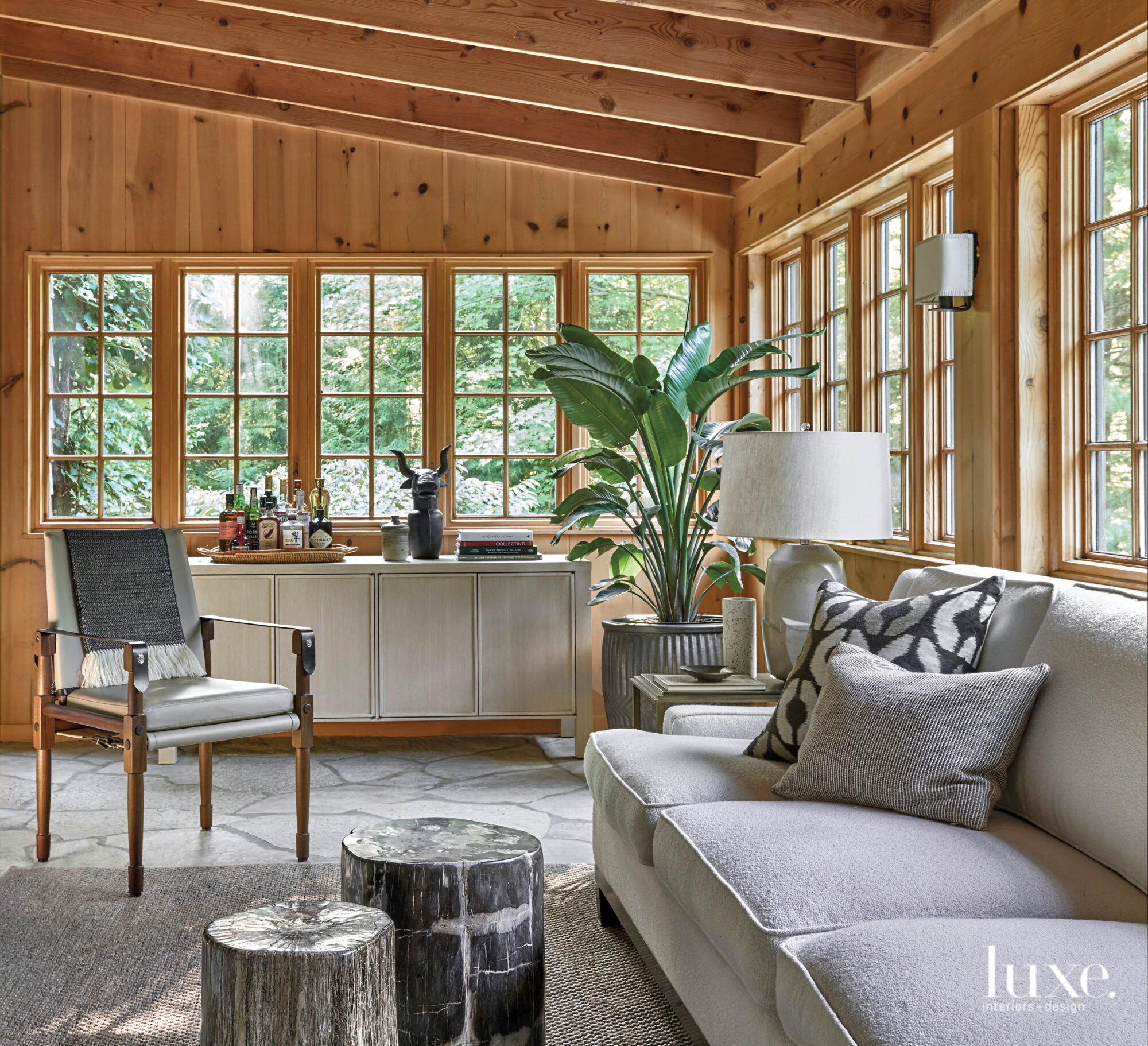Elements From Far And Wide Come Together To Perfect This Chicago Design Duo S Rural Retreat Luxe Interiors Design