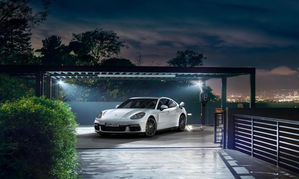 Porsche Unveils The Panamera 4 E-Hybrid Ahead of the Paris Motor Show