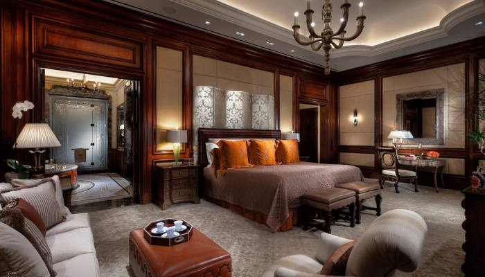 Caesars Palace Mirage Las Vegas Hotels Open Luxury Suites To General Public Luxgetaway