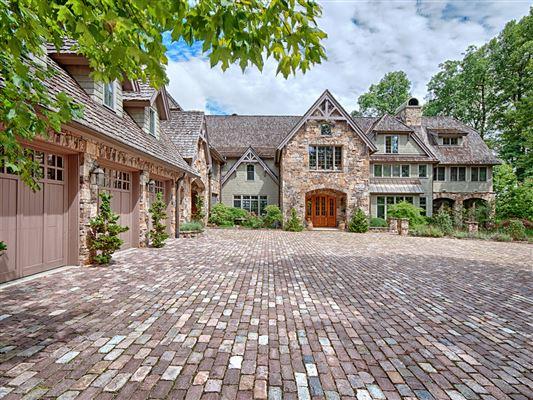 North Carolina Luxury Homes and North Carolina Luxury Real Estate