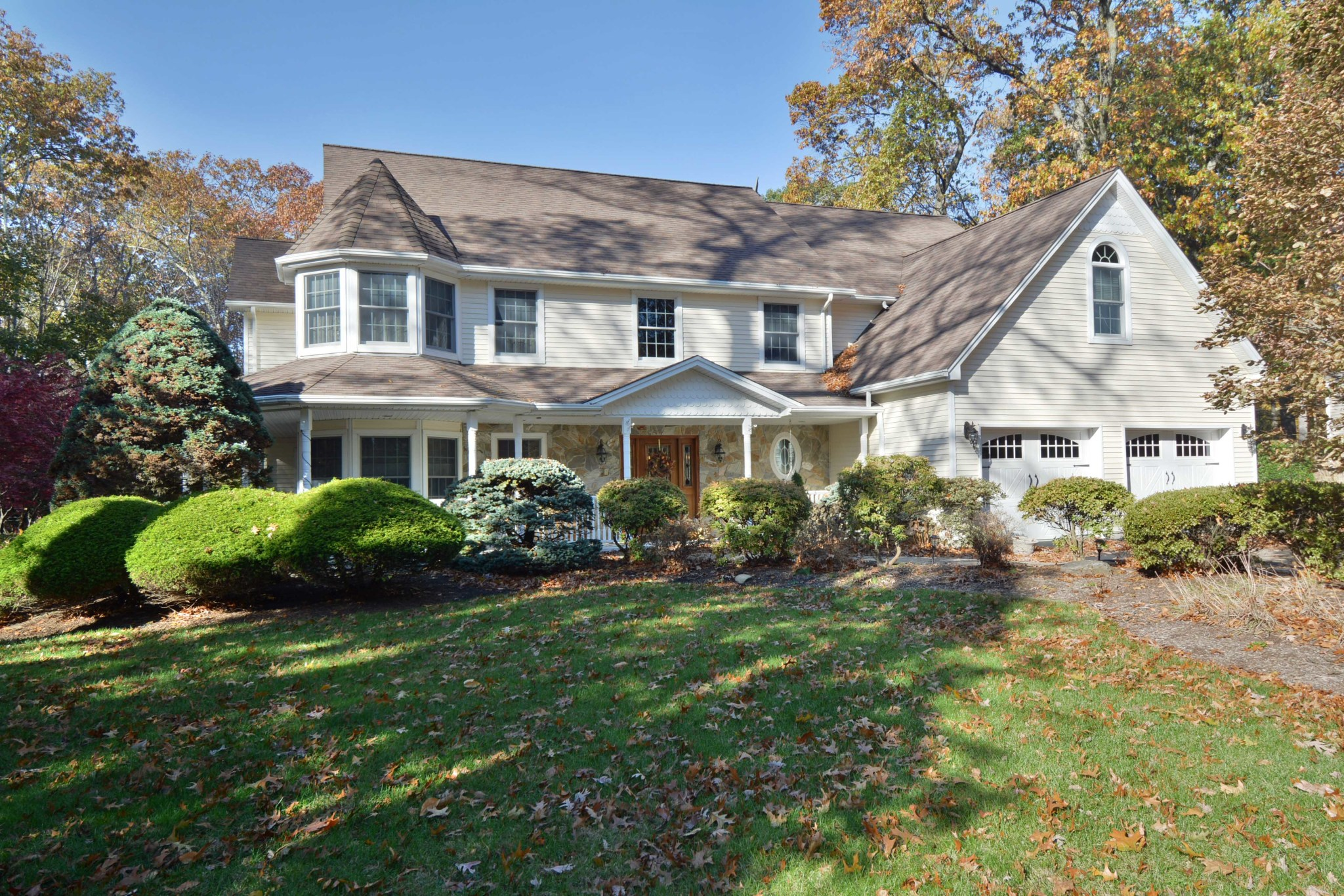 Farmhouse Cresskill Bergen County Luxury Homes And Bergen County Luxury Real
